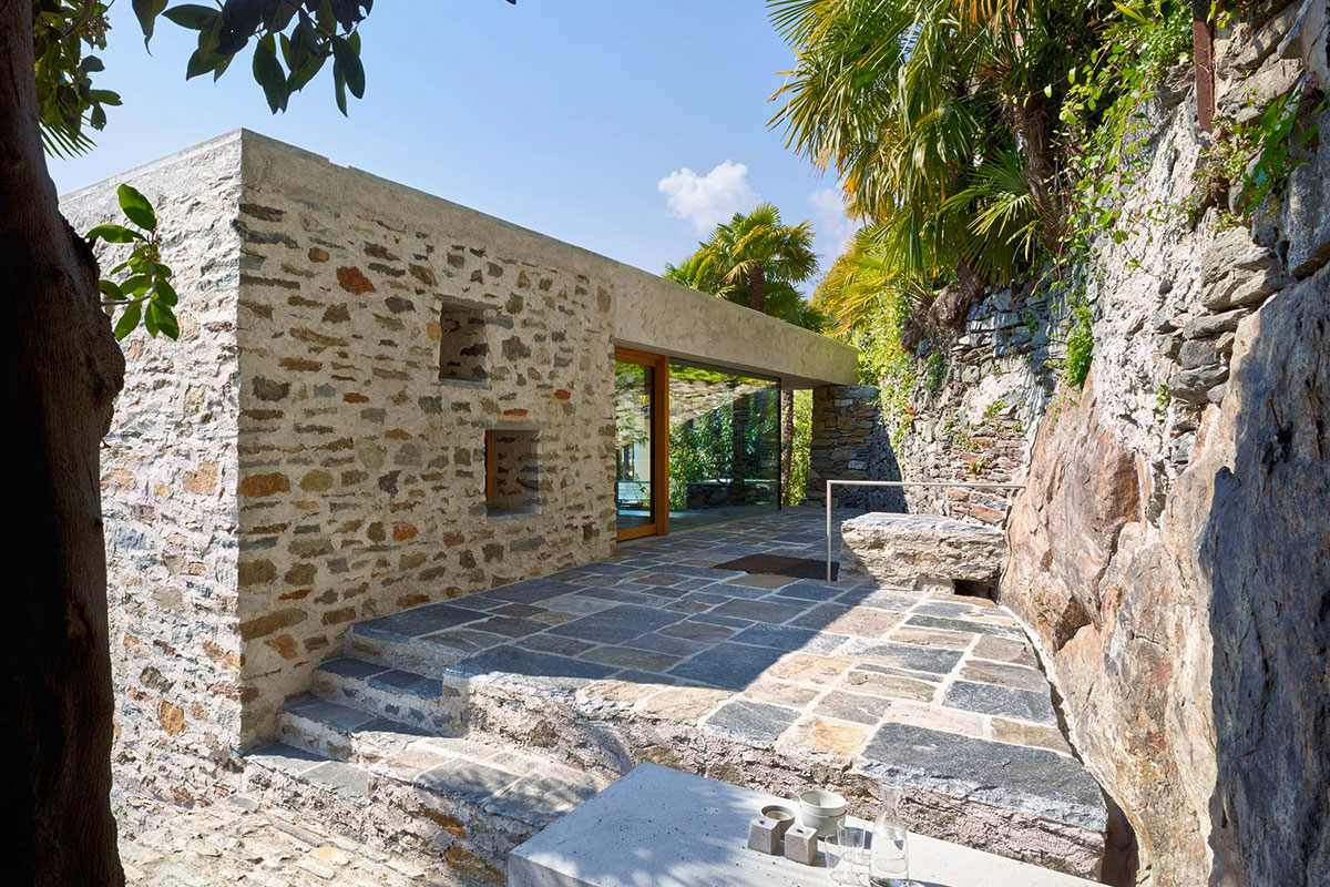 A stone cube: the Wespi de Meuron project for a home in Ascona