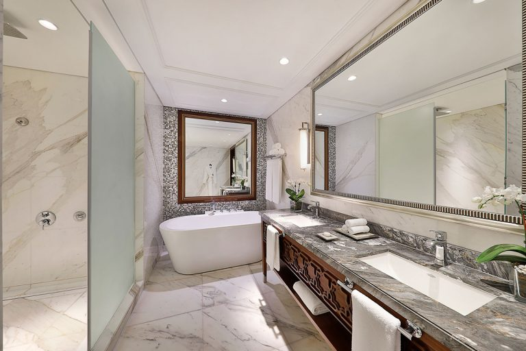 Hotel & Marble: The Luxury Bathrooms