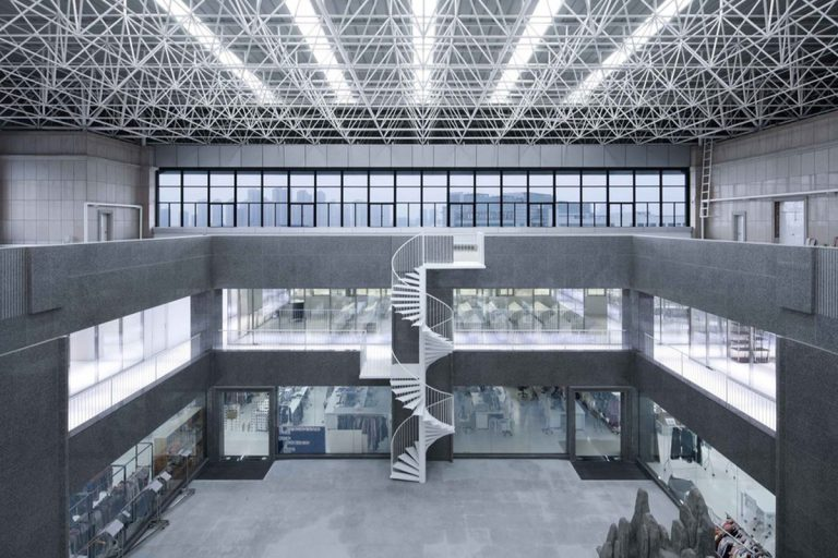 Interior Design: Chenfeng Group Fashion Hub Factory, China